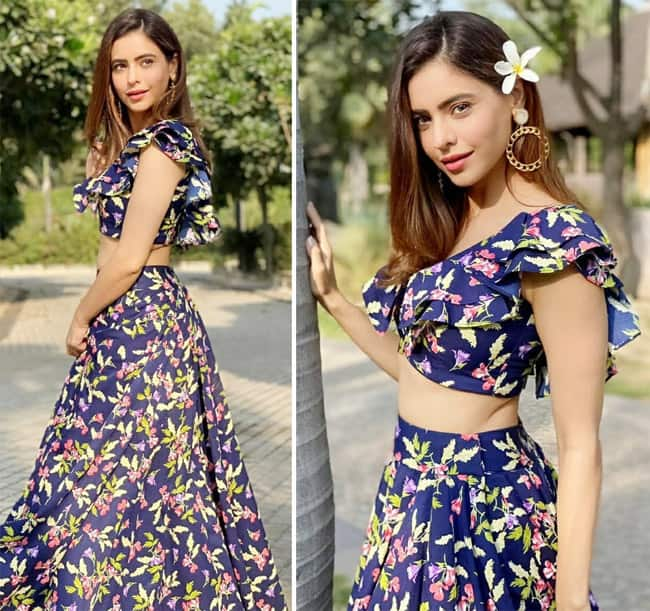 Aamna Shariff Looks Refreshing in Two Cord Floral Dress