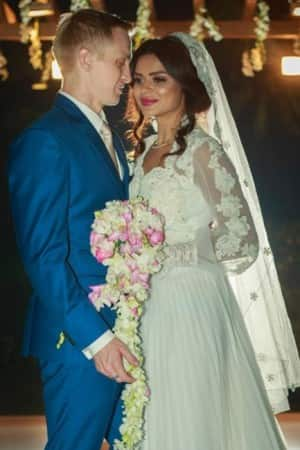 Highlights of Aashka Goradia and Brent Goble's Christian wedding