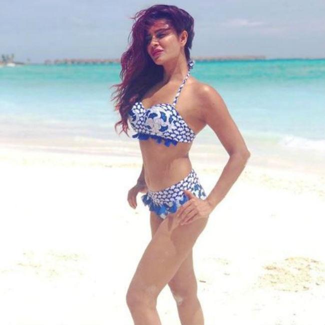Aashka Goradia looks hot and sexy