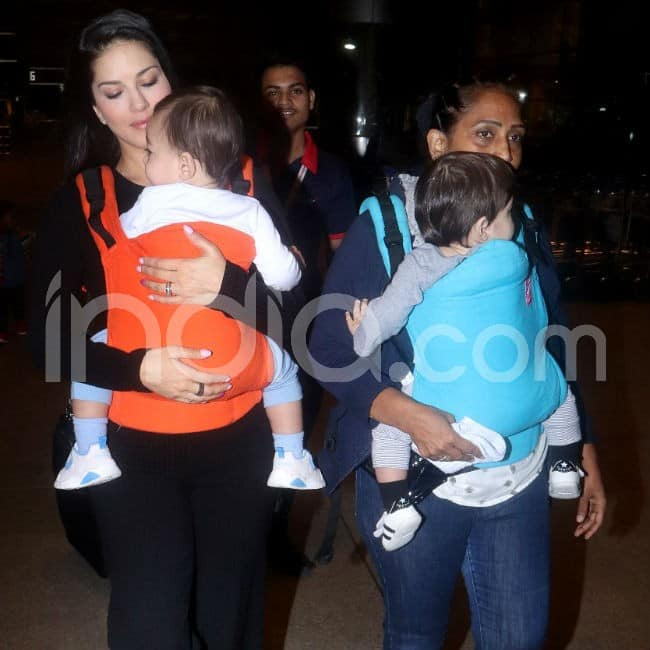 Actor clicked with her kids