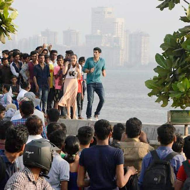 Aditya and Shraddha  performing dance steps during on location stof OK Jaanu