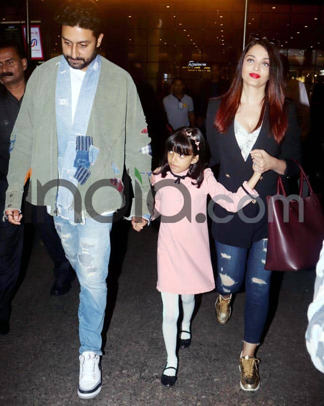 Aishwarya  Abhishek and Aaradhya return to Mumbai