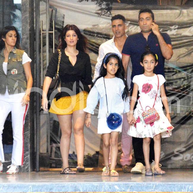 Akshay Kumar and family go out on a Sunday