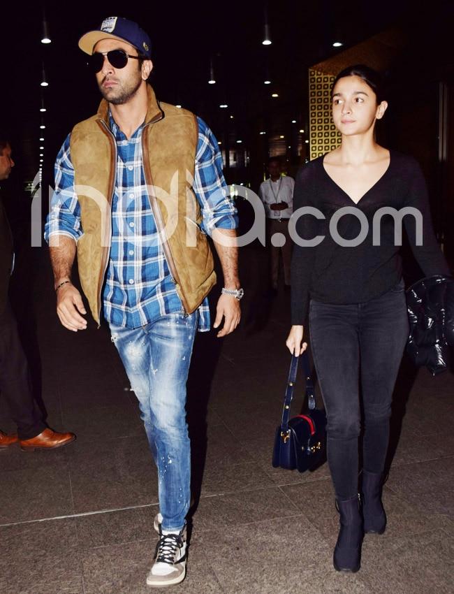 Alia Bhatt and Ranbir Kapoor at Mumbai airport