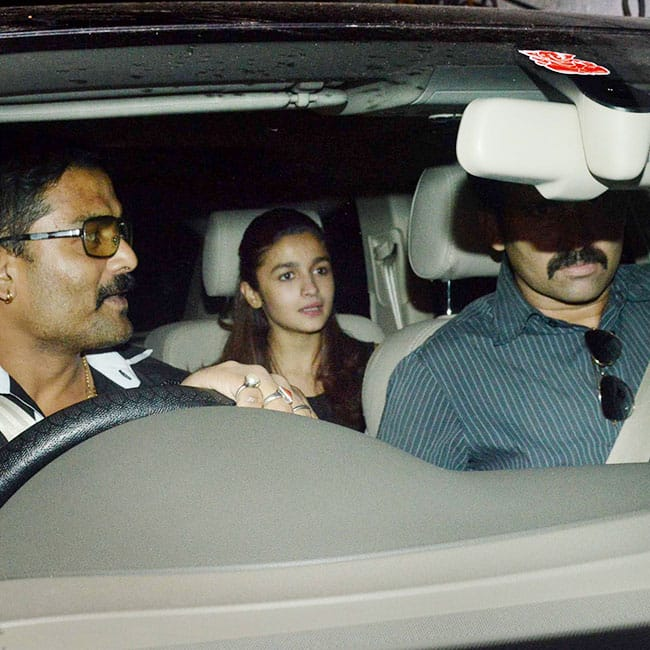 Alia Bhatt at Aarti Shetty   s residence for party