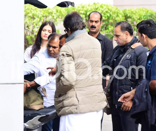 Amitabh Bachchan and Aishwarya Rai Bachchan leave for New Delhi