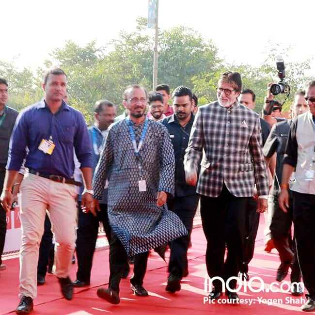 Amitabh Bachchan at red carpet of IFFI 2017 in Goa