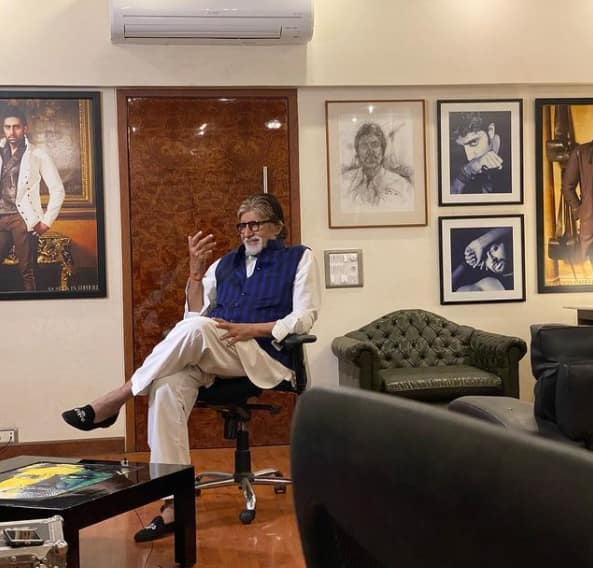Amitabh Bachchan s workplace   Janak