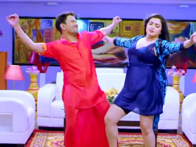 Amrapali Dubey   s Steamy Dance Moves With Nirahua Aka Dinesh Lal Yadav