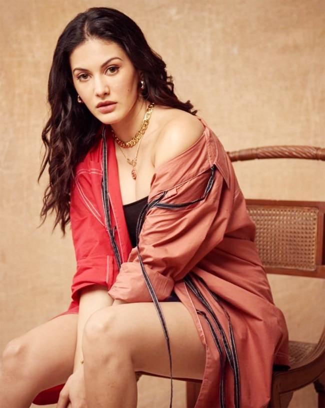 Amyra Dastur in Dhruv Kapoor   s amazing outfit