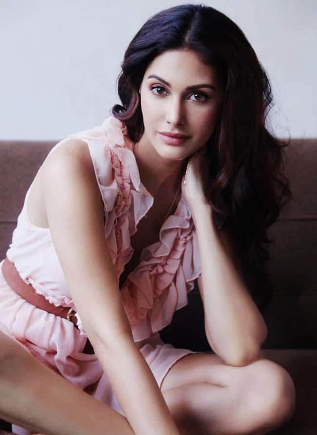 Amyra Dastur is a Look to Hehold