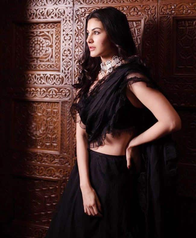 Amyra Dastur s Instagram is a thing of beauty