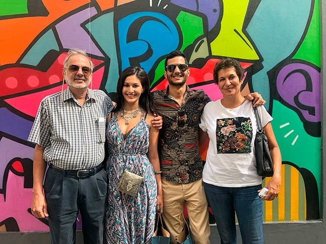 Amyra Explores London Attractions During Her Vacay