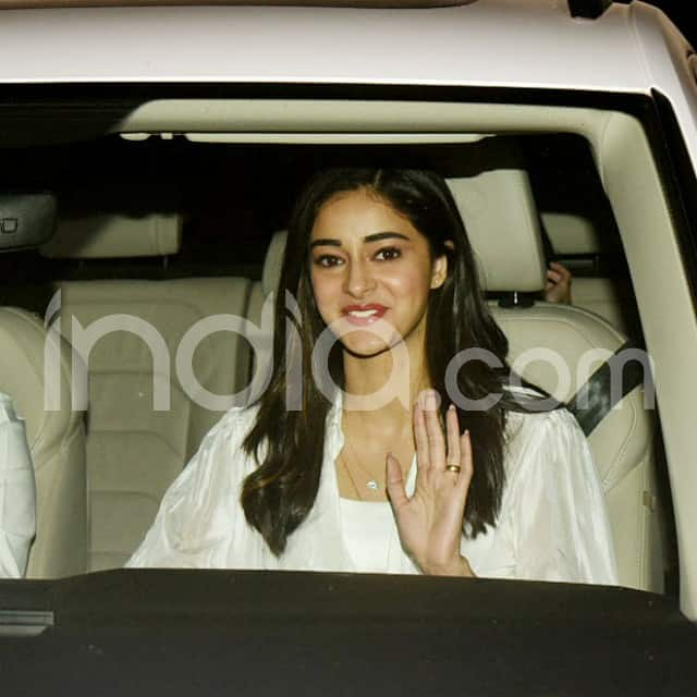 Ananya Panday looks pretty
