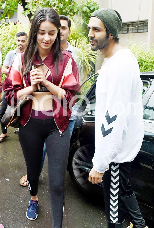 Ananya Pandey Kartik Aaryan Spotted at Dance Class in Mumbai