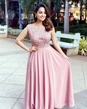 Anita Hassanandani Slays in a Peach Coloured Gown as She Dresses up For Her Cousin's Wedding