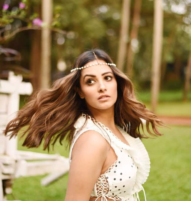 Anita Hassanandani Stunns Netizens With Her Dreamy Pictures