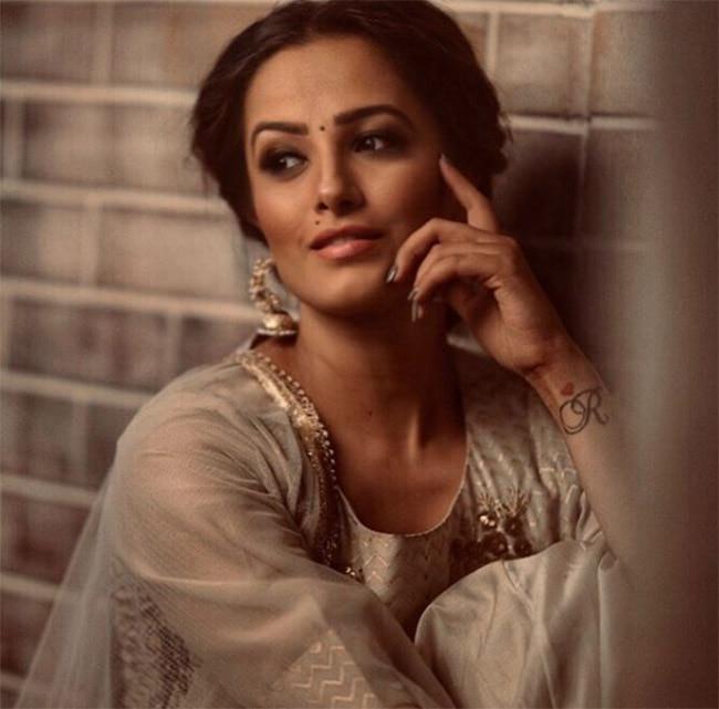 Anita Hassanandani s Latest Photoshoot Has Her Posing Like a Diva  Like Always