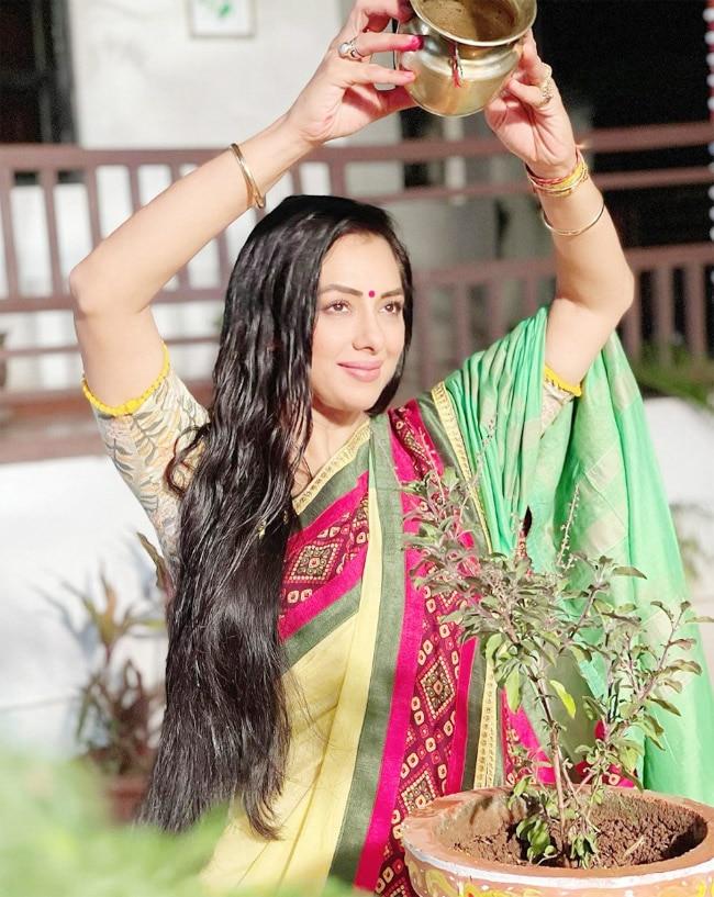 Anupamaa show latest pics  Rupali Ganguly flaunts a modern avatar