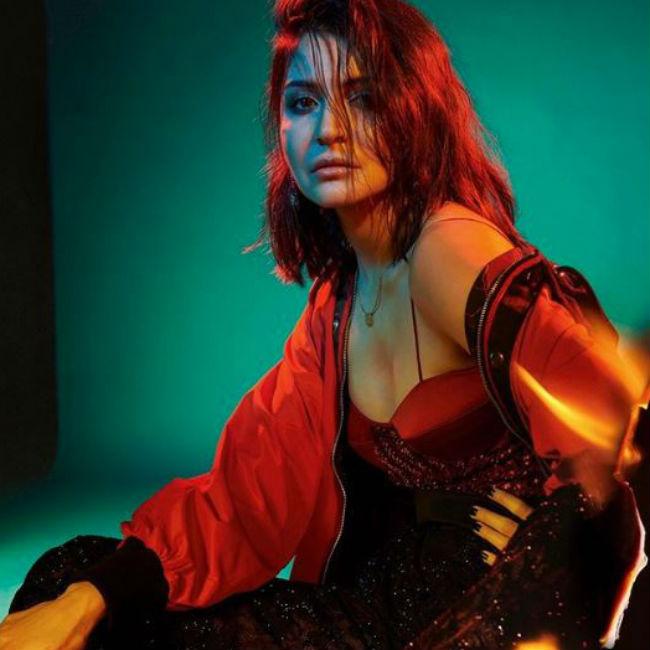 Anushka Sharma Looks Hot And Sexy