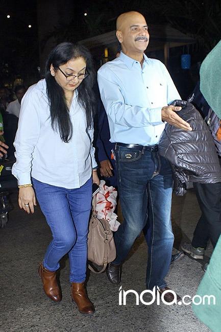 Anushka Sharma   s parents spotted at airport