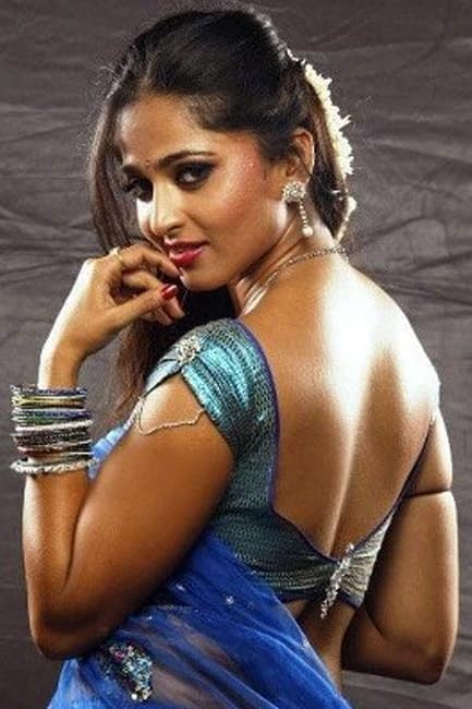 Anushka Shetty poses for a gorgeous picture