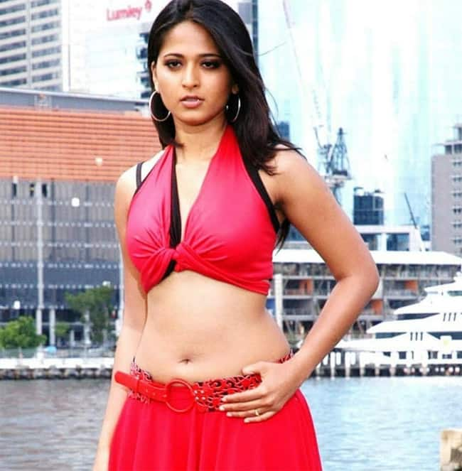 Anushka Shetty Sexy Photos South Indian Diva Sets Internet On Fire With Sultry Pictures