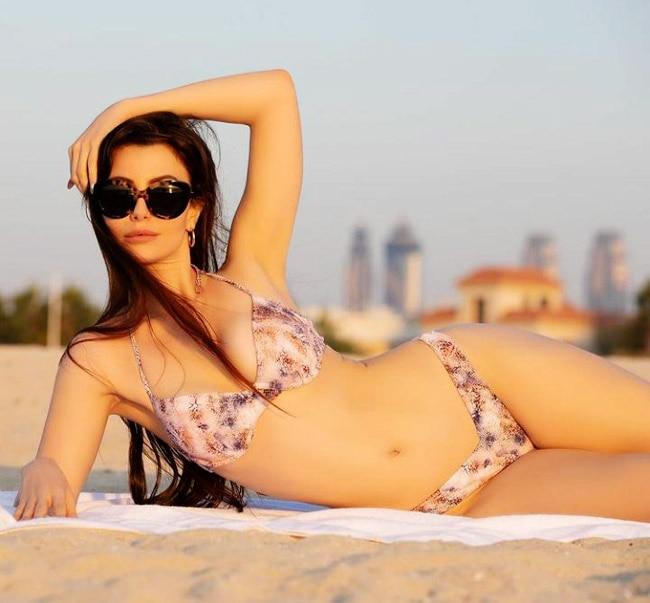Arbaaz Khan s girlfriend goes all bold in a bikini
