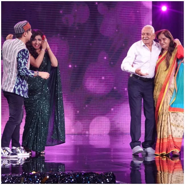 Arunita Kanjilal and Pawnadeep Rajan s Romantic Performance On Indian Idol 12