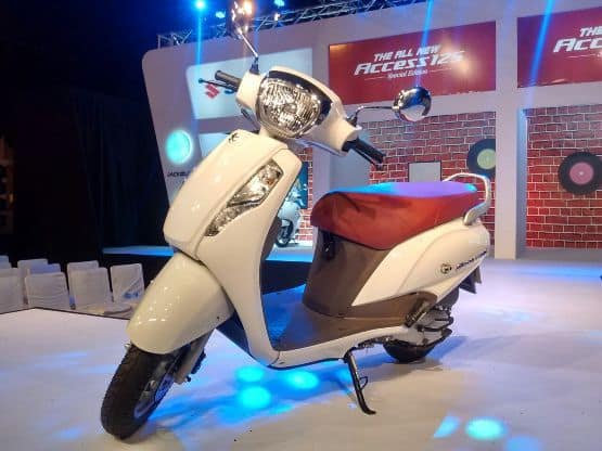 As far as the dimensions are concerned the Suzuki Access 125 special edition comes with a length of 1 780mm width of 650mm and height of 1125mm along with a wheelbase of 1250mm and 160mm of ground clearance