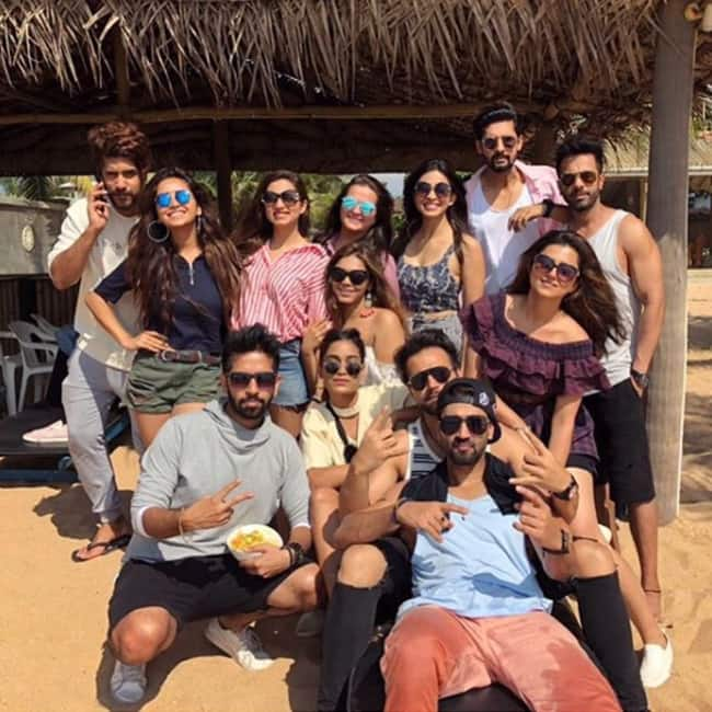 Asha Negi with her gang in Sri Lanka for New Year vacation