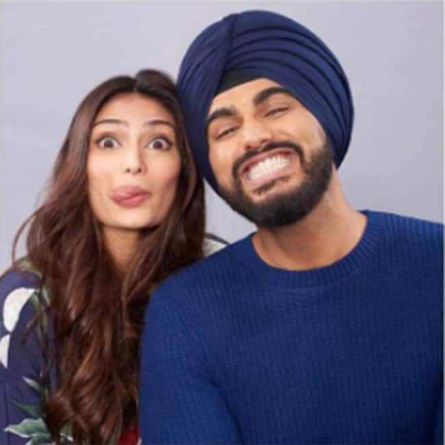 Athiya Shetty striking funny poses with Arjun Kapoor