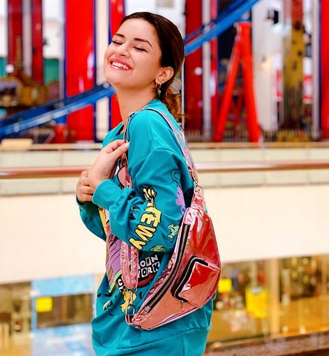 Avneet Kaur looks so cute in her latest photoshoot