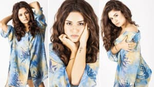 Avneet Kaur Begins Her 'Photoshoot Diaries' With Hottest Blue Shirt Paired With Denim Shorts   See Pics