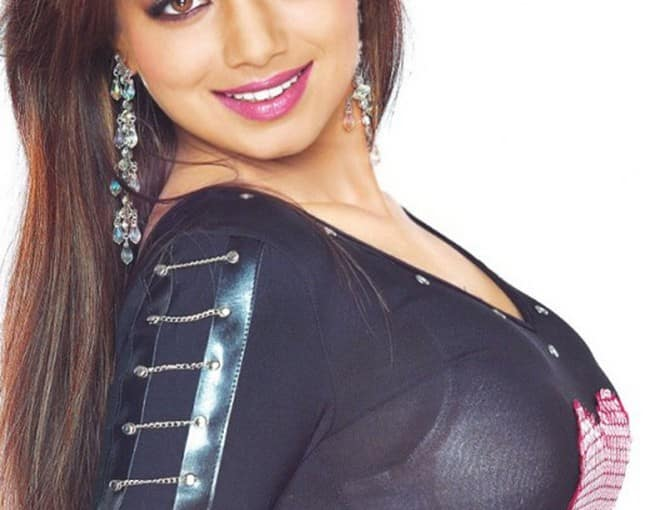 Ayesha Takia Hot And Sexy Images