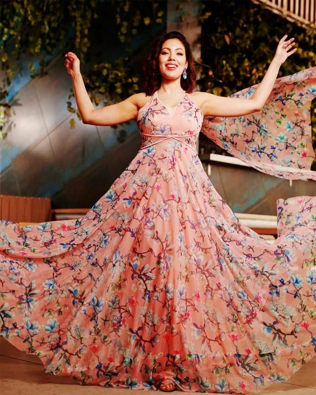 Babita ji of Taarak Mehta Ka Ooltah Chashmah shows her curves in a pink maxi dress