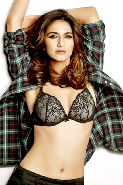 Befikre    movie actress Vaani Kapoor looks smoking hot while flaunting her bod here