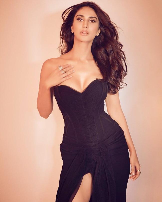 Bell Bottom Trailer  Vaani Kapoor breaks the Internet in a high slit off shoulder black dress