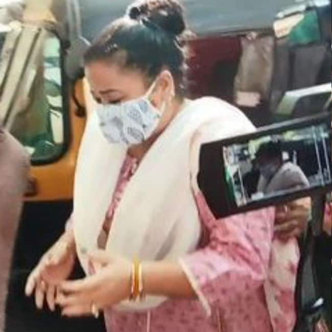 Bharti Singh arrested for drugs consumption