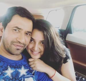 In Pics: Bhojpuri Bombshell Amrapali Dubey And Superstar Dinesh Lal Yadav Looks Super Cute Together