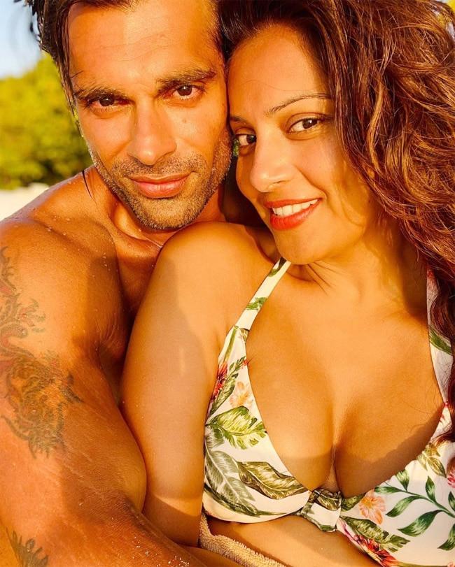 Bipasha Basu   Karan Singh Grover   s hot pics from Maldives has the sundown vibes