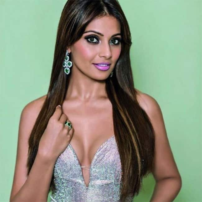 Bipasha Basu looks like a golden diva in this picture