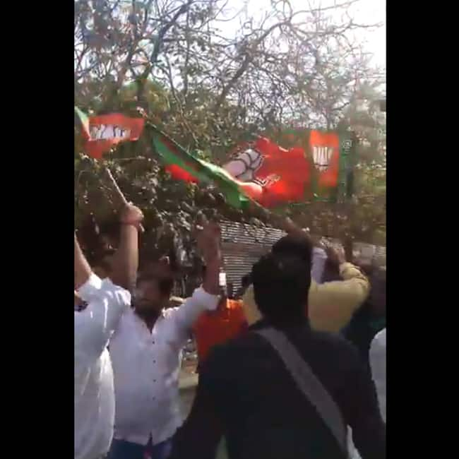 BJP workers celebrating victory at Nizamuddin counting centre