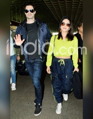 Viral Pictures: Sunny Leone Raises The Bar of Airport Look in Sultry Crop Top-Joggers