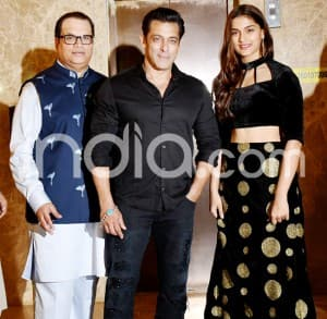 Salman Khan, Shilpa Shetty, Daisy Shah at Ramesh Taurani's Diwali Party, See Pictures