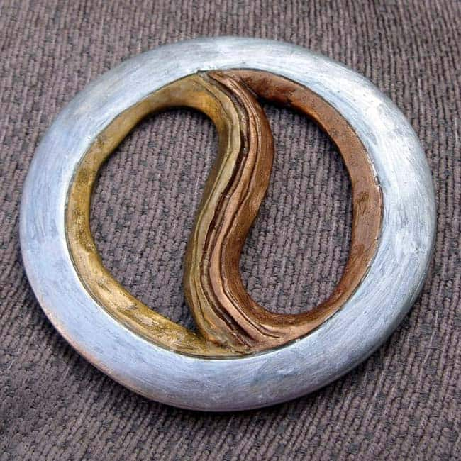 Chakram also known as  chalikar is an Indian weapon that was thrown to kill enemies
