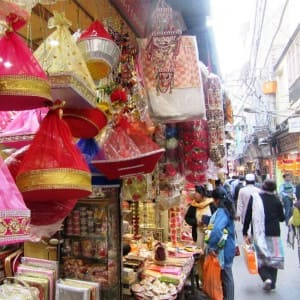 7 places that are mandatory to visit in Delhi for wedding shopping