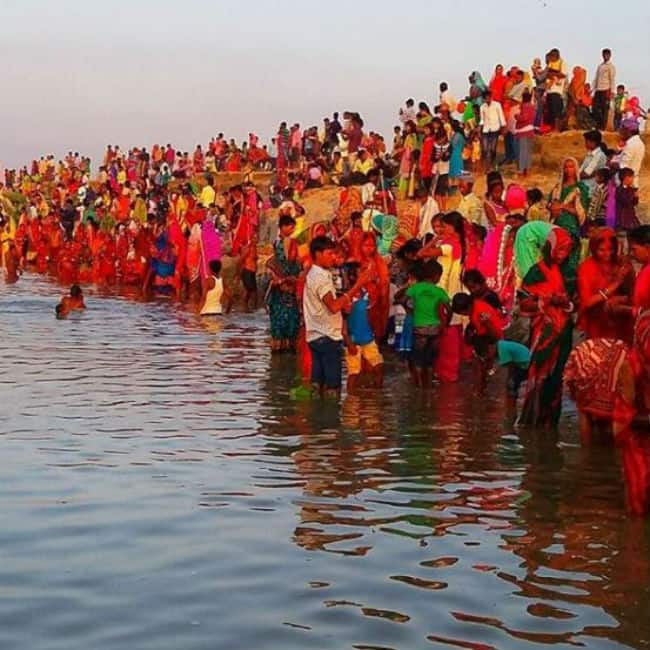 Chhath Puja 2019  Devotees Conclude The Festival by Offering Arghya