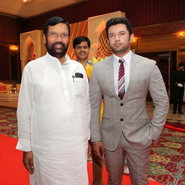 Chirag Paswan Son Of Ram Vilas Paswan Kids Of Famous Politicians Who Chose To Follow Own Dreams Politicians Photo Gallery India Com Photogallery