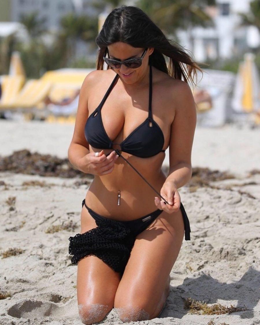 Claudia Romani Acing The Black